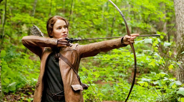 Jennifer_Lawrence_archery